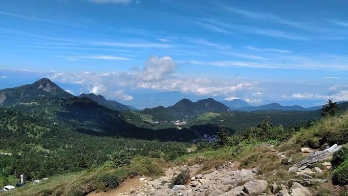 横手山登山景色