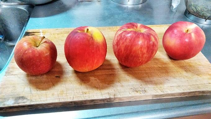夏リンゴ食べ比べ