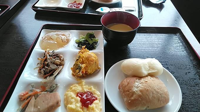 万座温泉日進舘バイキング(朝食)