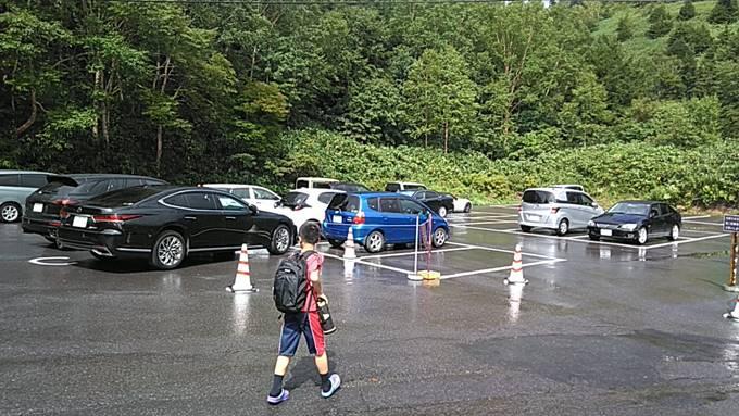 日進舘の宿泊者専用駐車場