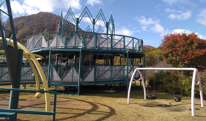 やまびこの丘公園遊具