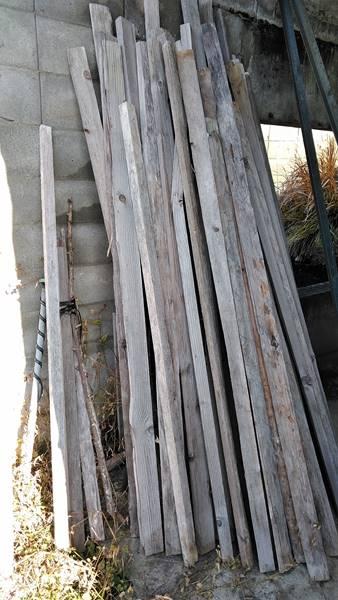 ブルーベーリーの冬囲いに使う木材