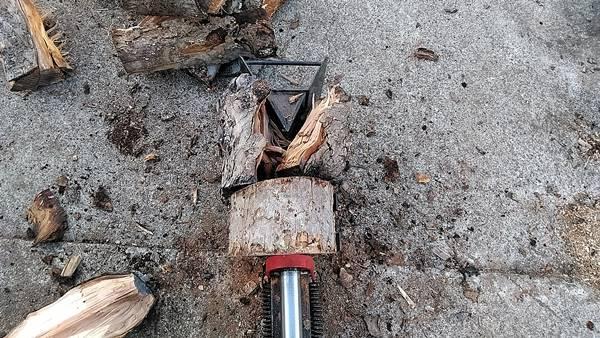 手動薪割り機(薪の割り方)